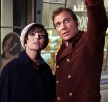 """Edith Keeler and Jim Kirk in """"City on the Edge of Forever"""""""